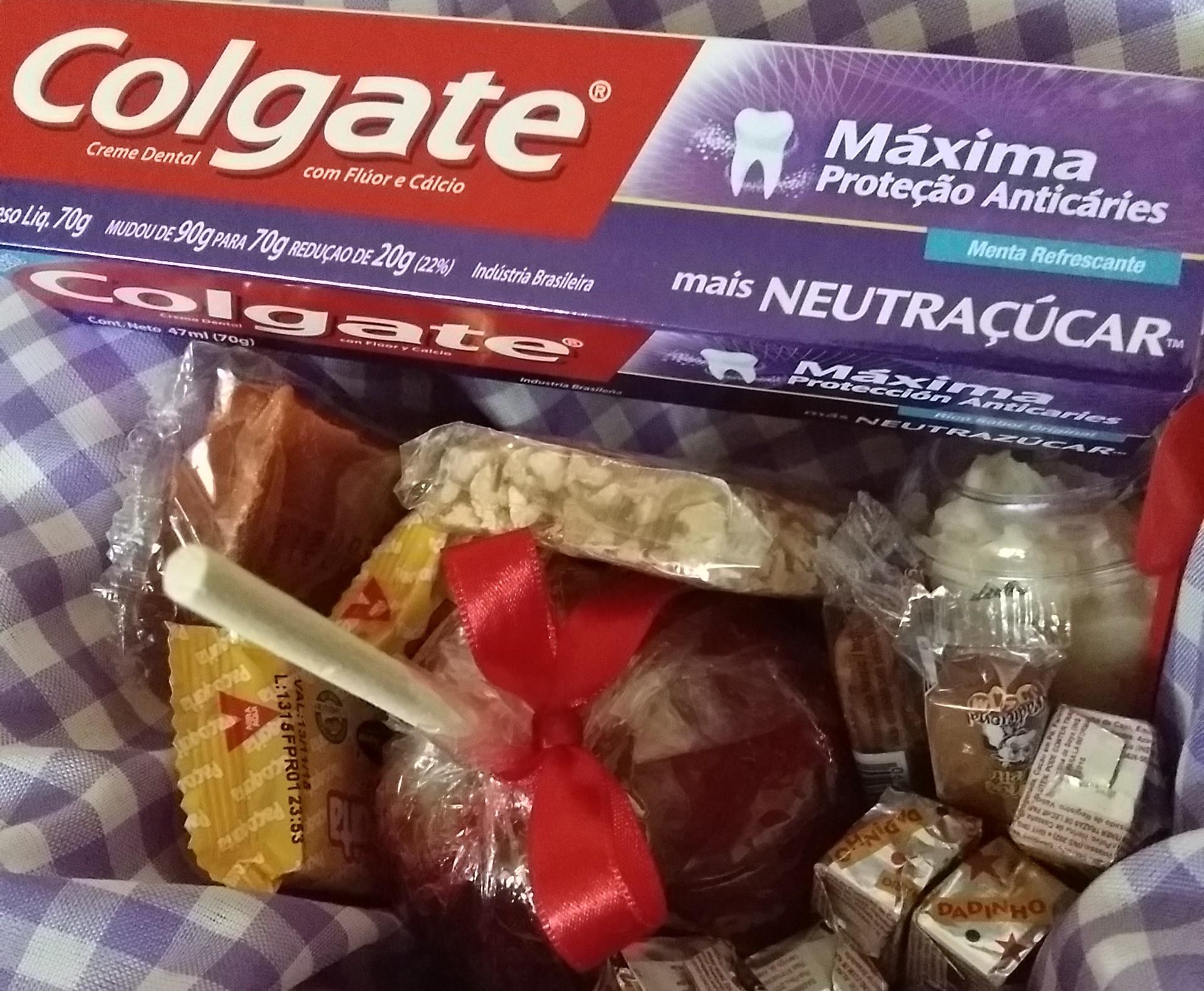 Colgate NeutrAçúcar – Comendo Doces sem Cárie